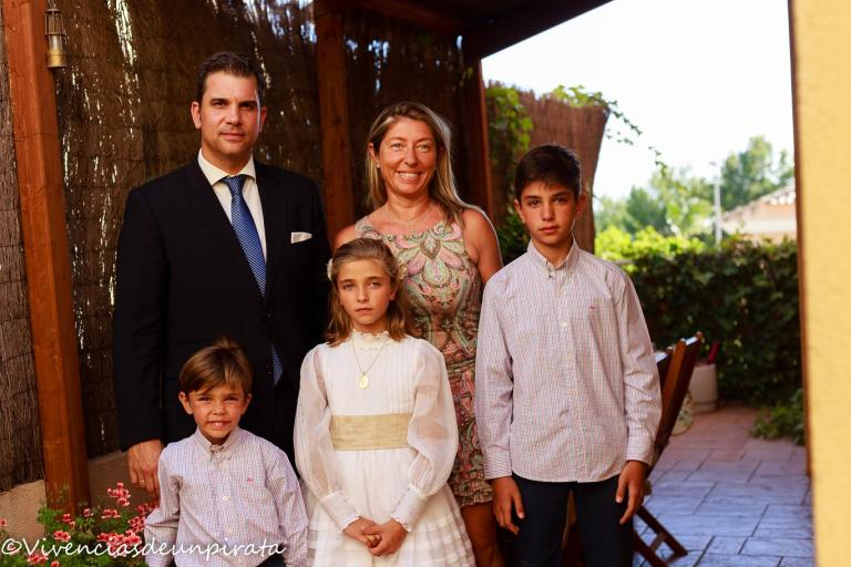 COMUNION CARLOTA familia